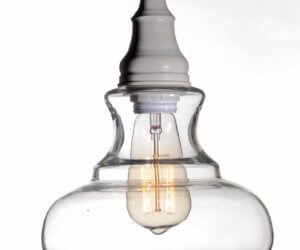 מנורה לתלייה מזכוכית